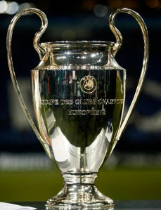 The Champions League trophy is pictured before the soccer match between Schalke 04 and Valencia in Gelsenkirchen March 9, 2011. REUTERS/Ina Fassbender (GERMANY - Tags: SPORT SOCCER) Picture Supplied by Action Images *** Local Caption *** 2011-03-09T192509Z_01_INA100_RTRIDSP_3_SOCCER-CHAMPIONS.jpg
